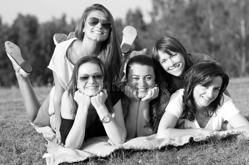 Chicas jóvenes fotos de archivo libres de regalías