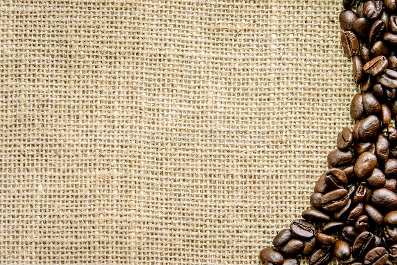 Chicchi di caffè arrostiti su tela floor1 fotografia stock
