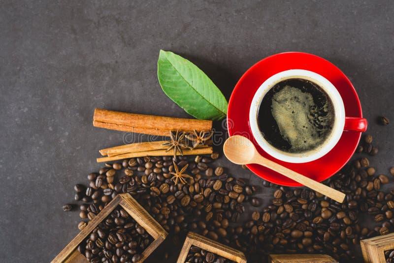 Chicco di caffè piano di disposizione fotografia stock libera da diritti