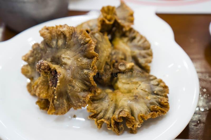 Chicharon bulaklak lub smażący wieprzowiny jelito obraz stock