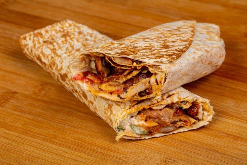 Chiche-kebab de Doner avec de la viande images libres de droits