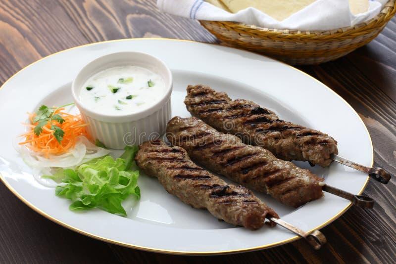 Chiche-kebab moulu d'agneau photographie stock
