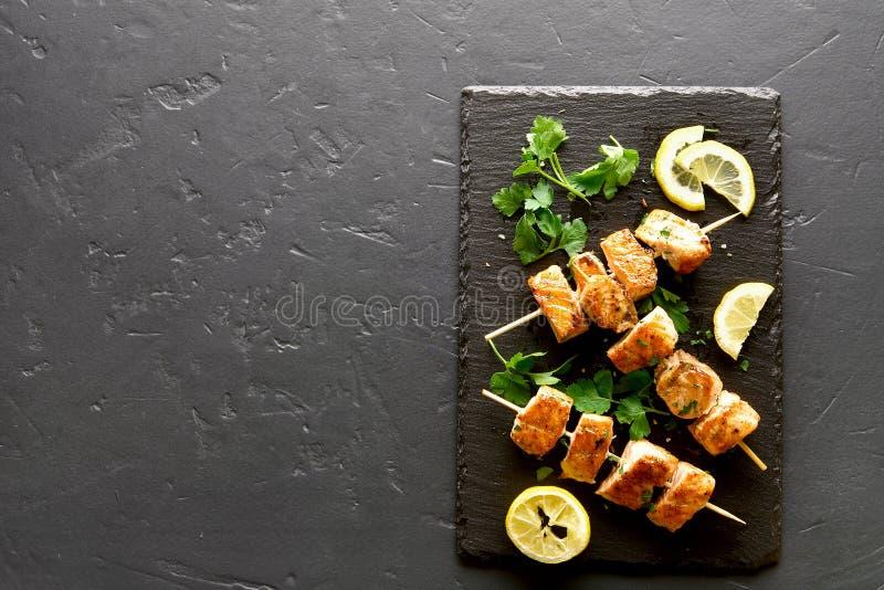 Chiche-kebab saumon? de BBQ photos stock