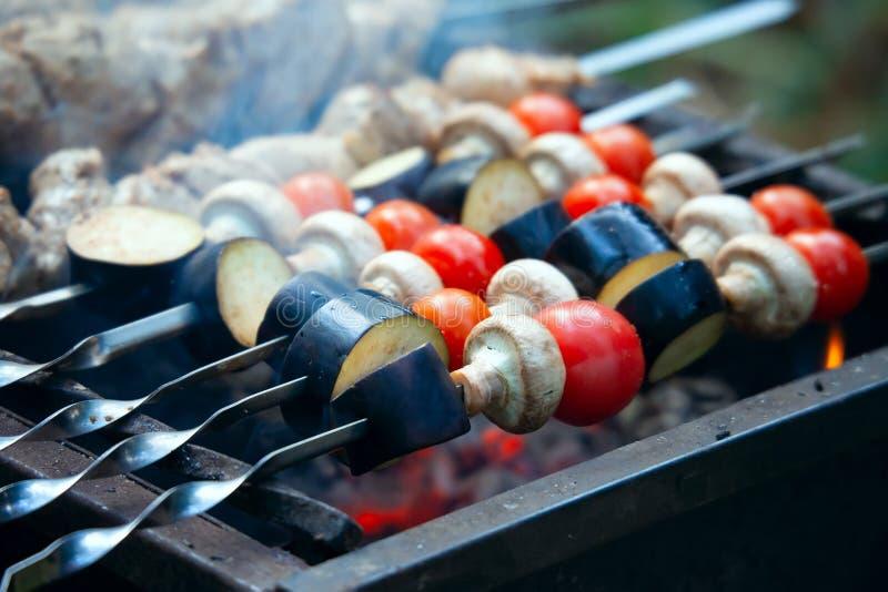 Chiche-kebab végétal grillé photographie stock libre de droits