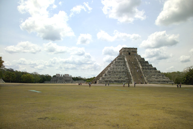 Download Chichem Itza Complex In Mexico Stock Afbeelding - Afbeelding bestaande uit piramide, wildernis: 284897