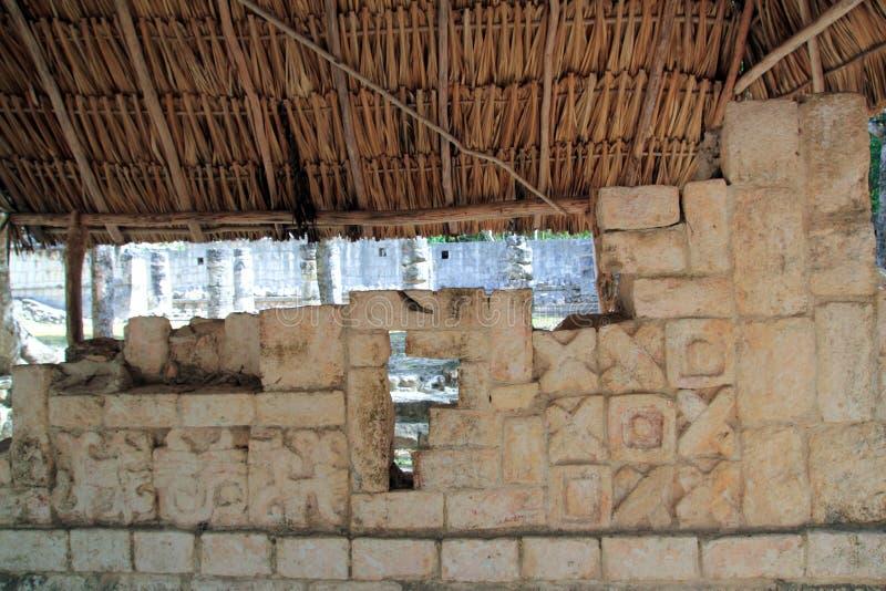 chichen руины Мексики itza hieroglyphics майяские стоковое фото rf