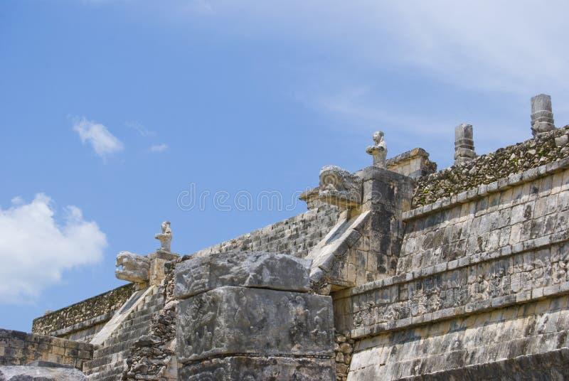 chichen itza колоннады стоковые фотографии rf
