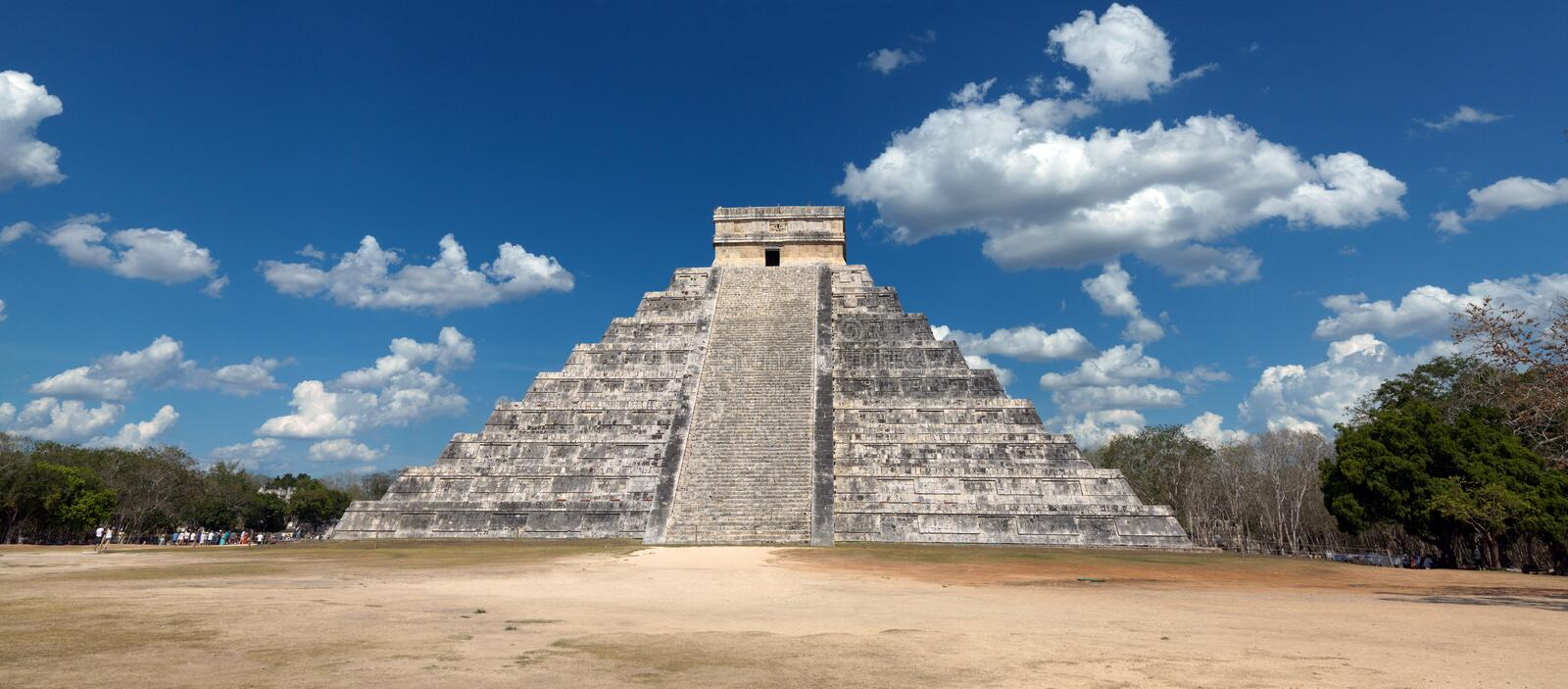 chichen itza obrazy royalty free