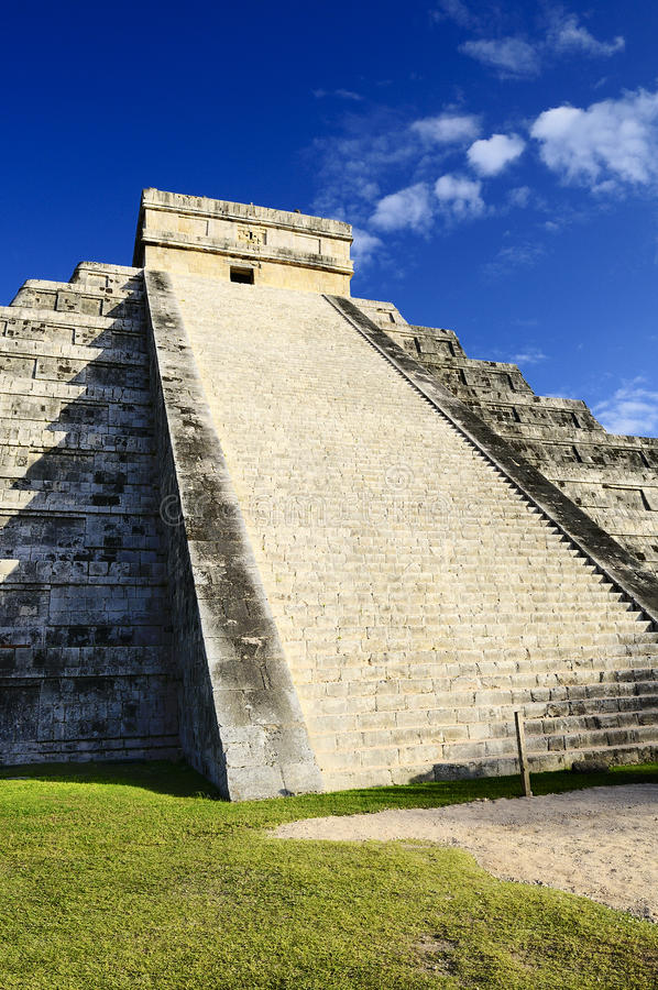 Download Chichen Itza stock image. Image of construction, history - 25222293