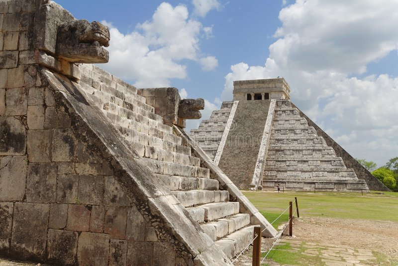 Chichen Itza Kukulcan Temple and Venus Platform stock photography