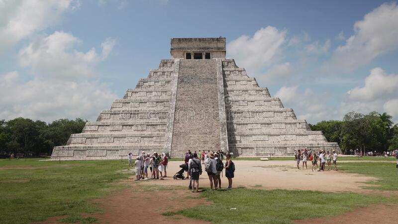Chichen Itza, Maya piramide, El Castillo-Tempel van Kukulcan Volgende camera stock video