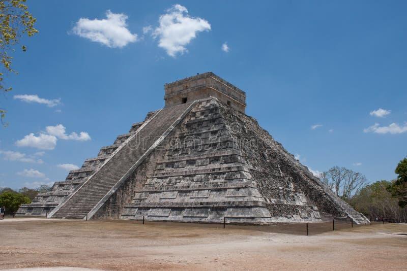 Download Chichen Itza Pyramid Royalty Free Stock Photo - Image: 9727225