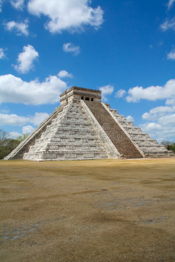 Chichen Itza pyramid Maya Mexico royalty free stock image