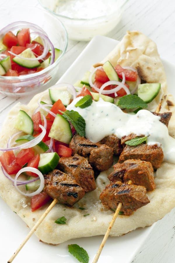 Chiches-kebabs tandooris d'agneau photo stock