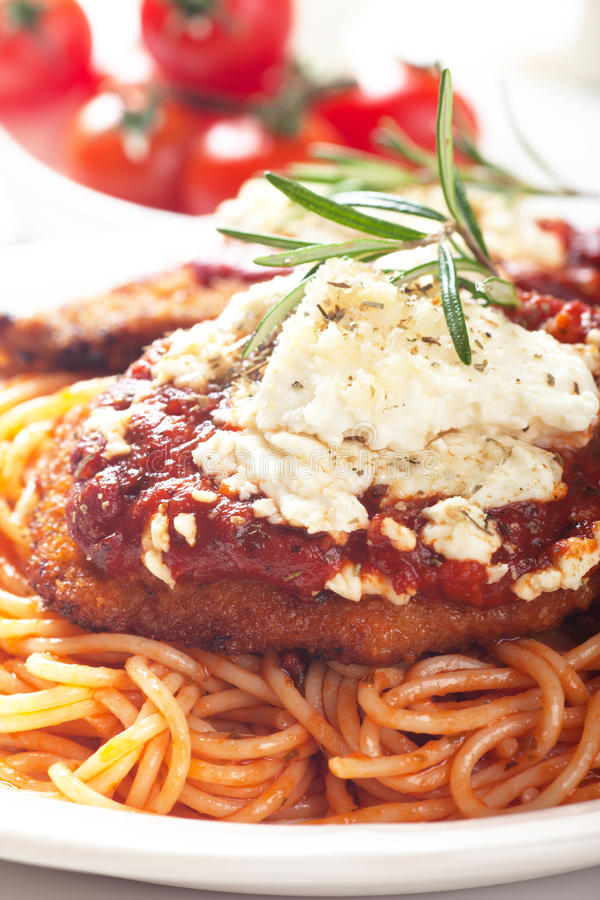 Download Chicken Parmesan With Spaghetti Pasta Stock Image - Image of meat, dinner: 31135677