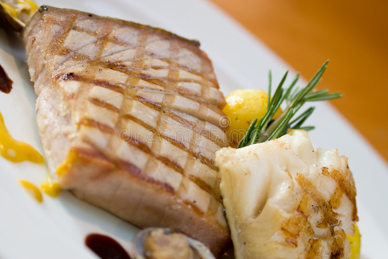 Chicken Steak with Oysters royalty free stock photos