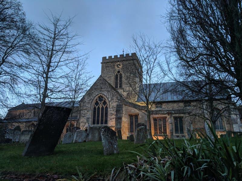 Chiesa al crepuscolo fotografie stock libere da diritti