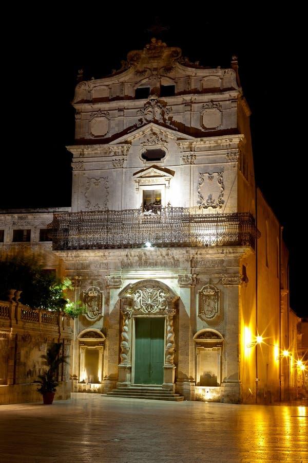 Chiesa alla notte, Siracusa, Sicilia, Italia di Badia di alla di Santa Lucia fotografia stock libera da diritti