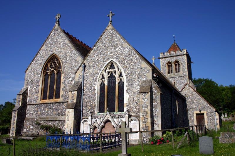 Chiesa antica del silice, cielo blu profondo fotografia stock