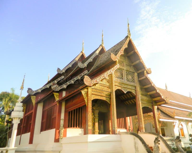 Chiesa antica di mattina in Chiang Mai fotografia stock