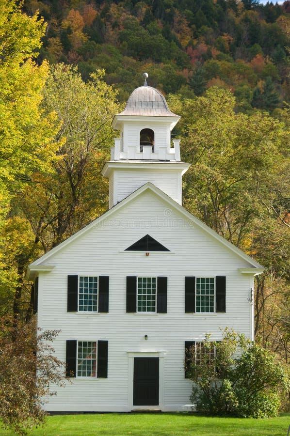Chiesa bianca dell'assicella fotografie stock