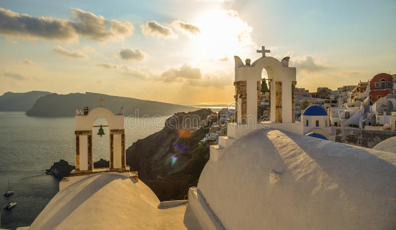 Chiesa blu nell'isola di Santorini, Grecia fotografia stock libera da diritti