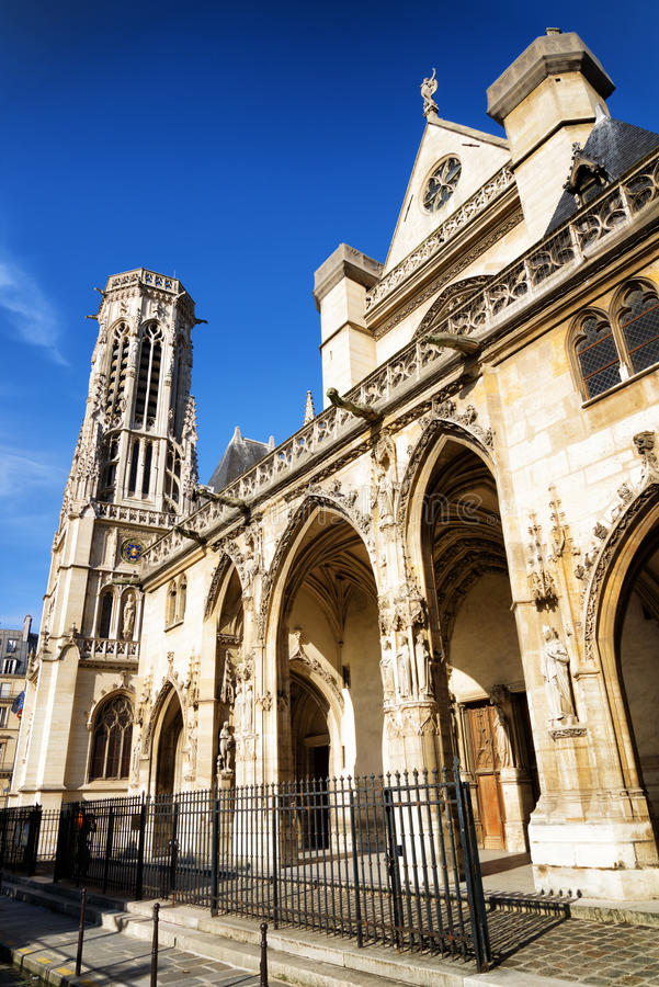 Chiesa cattolica di St Germain di Auxerre a Parigi, Francia fotografia stock
