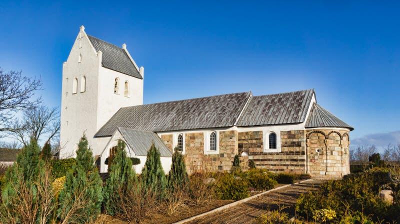 Chiesa danese medioevale fotografie stock