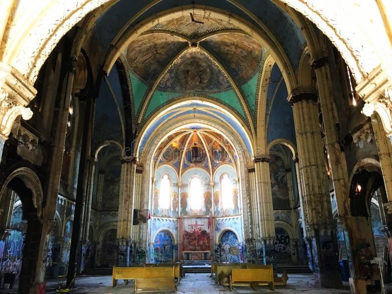 Chiesa decostruita immagine stock