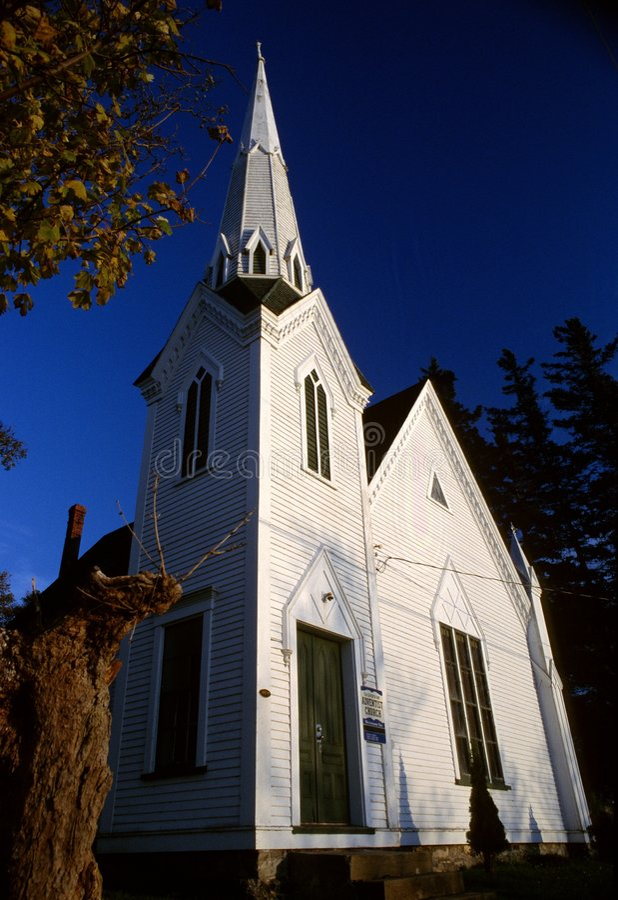 Chiesa del paese immagini stock