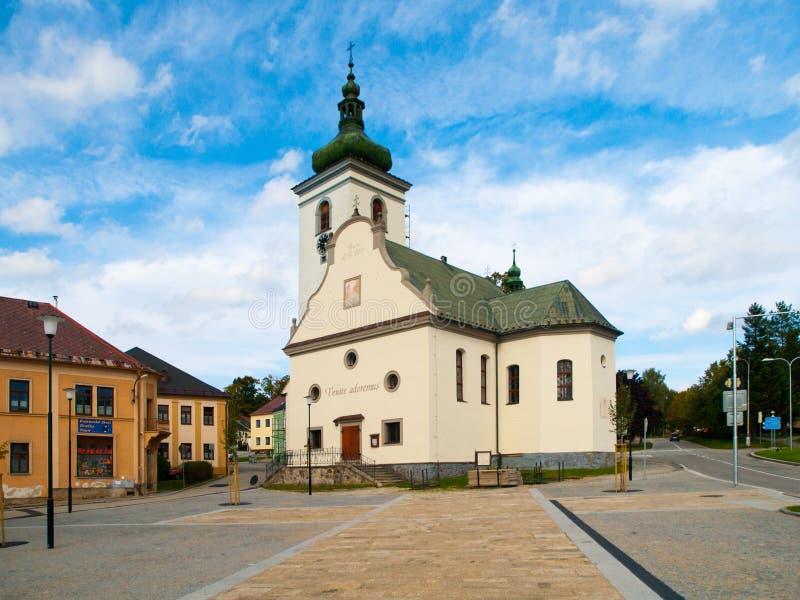 Chiesa del ` s della st Catherine in Volary, montagne di Sumava, repubblica Ceca fotografia stock libera da diritti