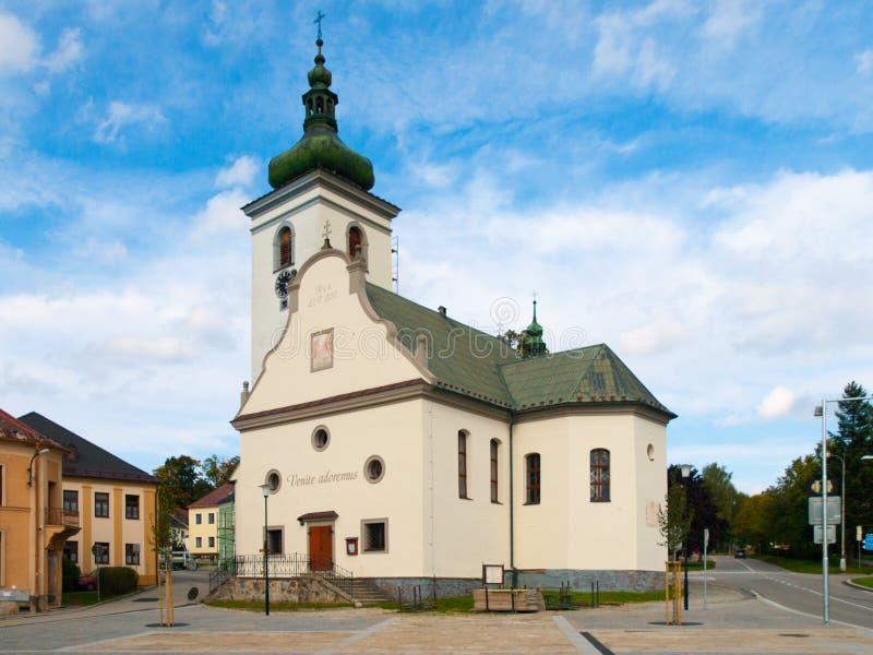 Chiesa del ` s della st Catherine in Volary, montagne di Sumava, repubblica Ceca fotografie stock libere da diritti