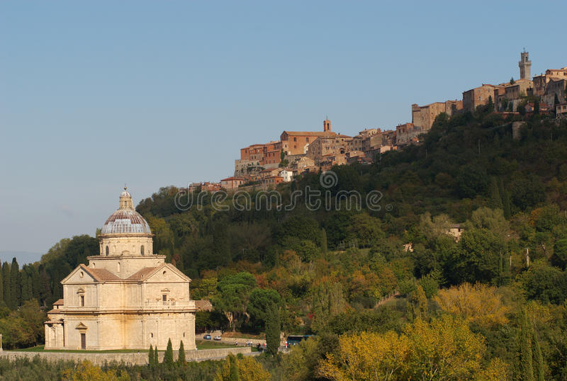 Chiesa del san Biagio e Montepulciano, Italia immagini stock