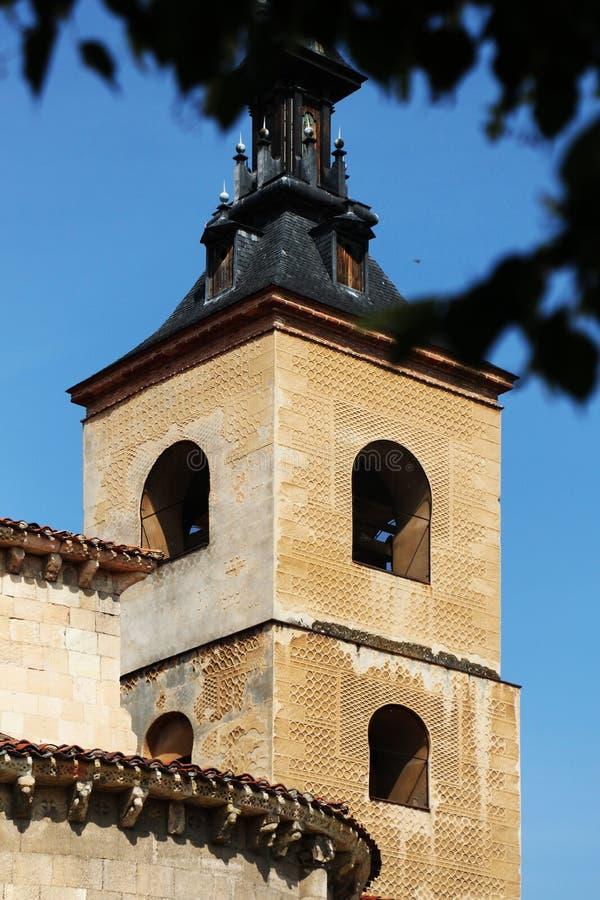 Chiesa del san Milano, Segovia, il campanile fotografia stock libera da diritti