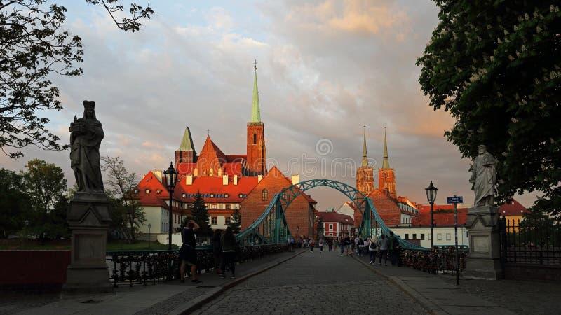 Chiesa dell'incrocio santo e cattedrale di Wroclaw sull'isola di Tumski, Polonia immagine stock