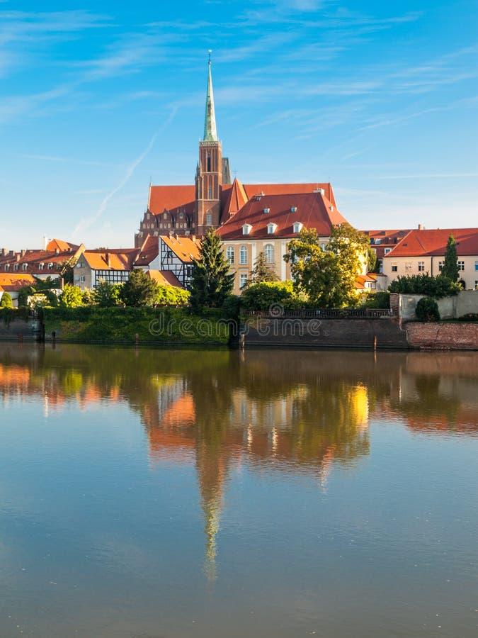 Chiesa dell'incrocio santo sull'isola della cattedrale a Wroclaw fotografia stock libera da diritti