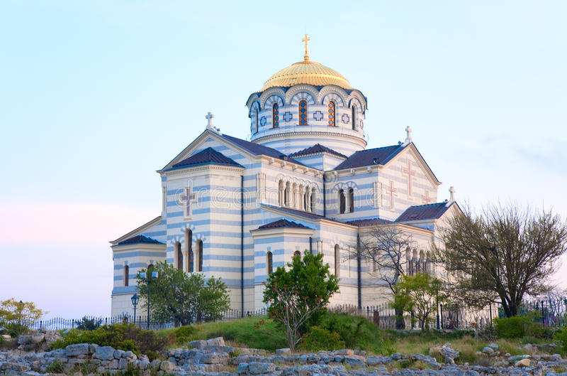 Chiesa della cattedrale della st Vladimir di sera immagine stock libera da diritti