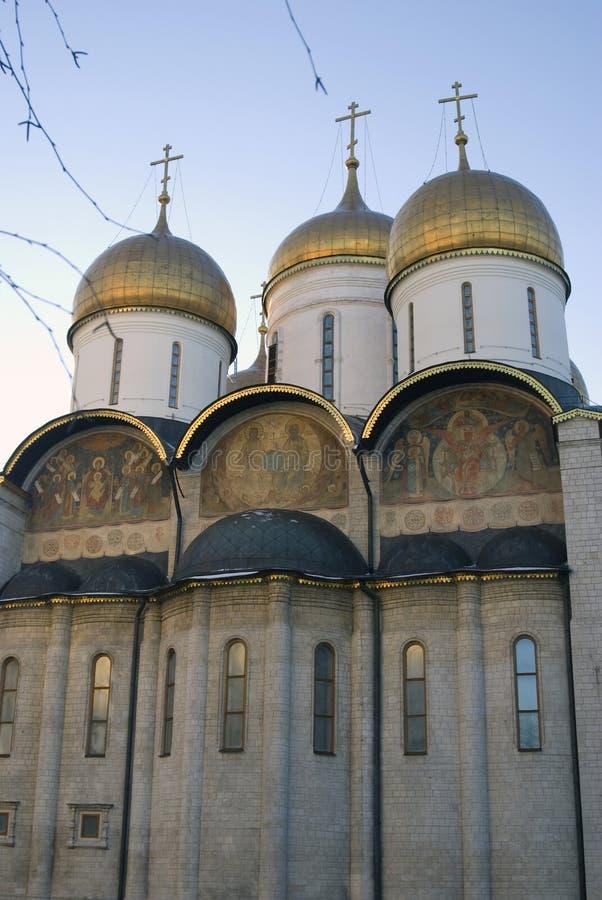 Chiesa della Dormizione del Cremlino di Mosca Foto a colori fotografia stock libera da diritti