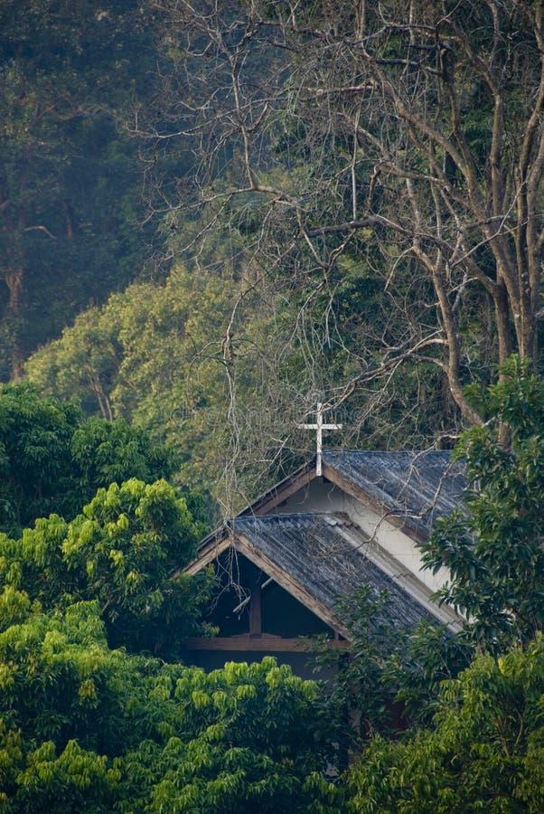 Chiesa della foresta fotografia stock