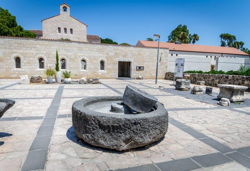Chiesa della moltiplicazione in Tabgha, Israele fotografia stock
