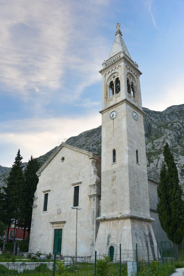 Chiesa della st Eustahije, baia di Cattaro, Montenegro immagini stock