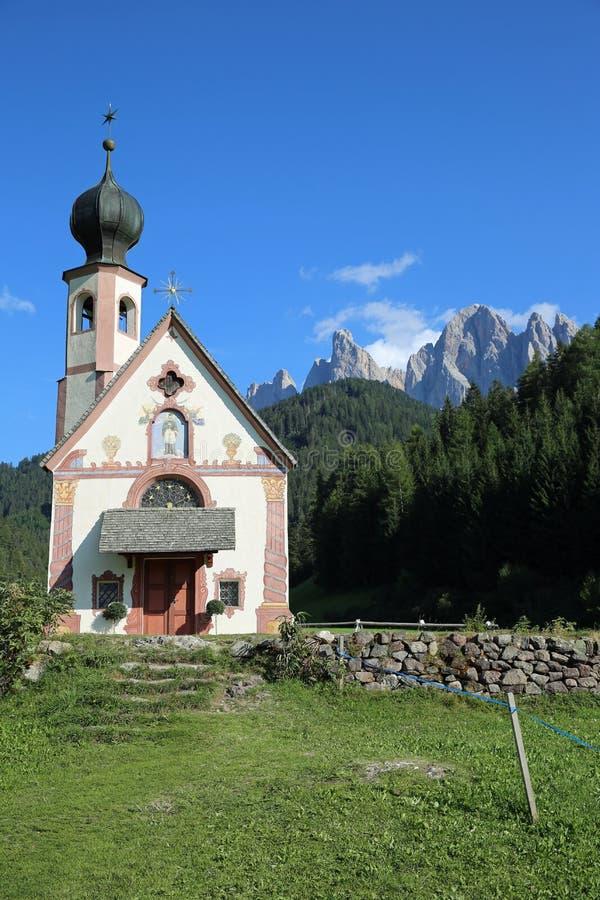 Chiesa della st Johann in Villnoss fotografie stock libere da diritti