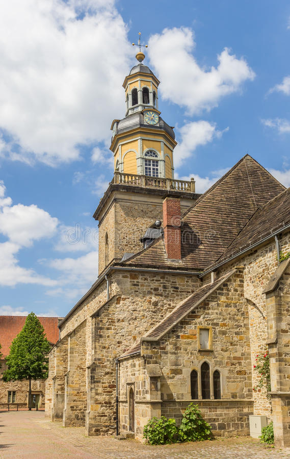 Chiesa della st Nicolai nel centro storico di Rinteln fotografie stock libere da diritti
