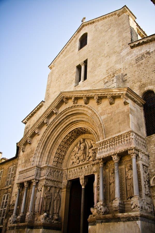 Chiesa della st Trophime in Arles immagini stock libere da diritti