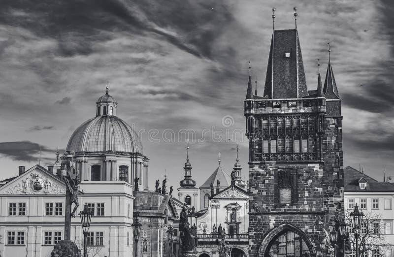 Chiesa dello St Francis e della torre B del ponte di Città Vecchia immagine stock libera da diritti