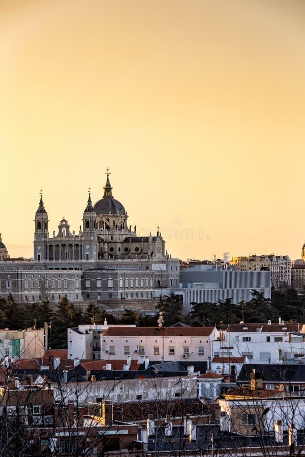 Chiesa di Almudena di Madrid, Spagna immagini stock