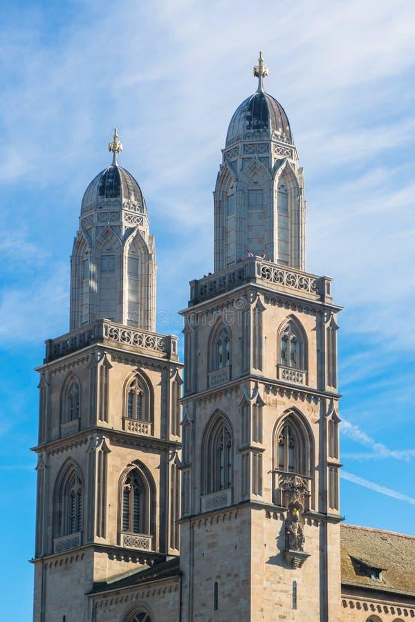 Chiesa di Grossmunster a Zurigo Svizzera immagini stock