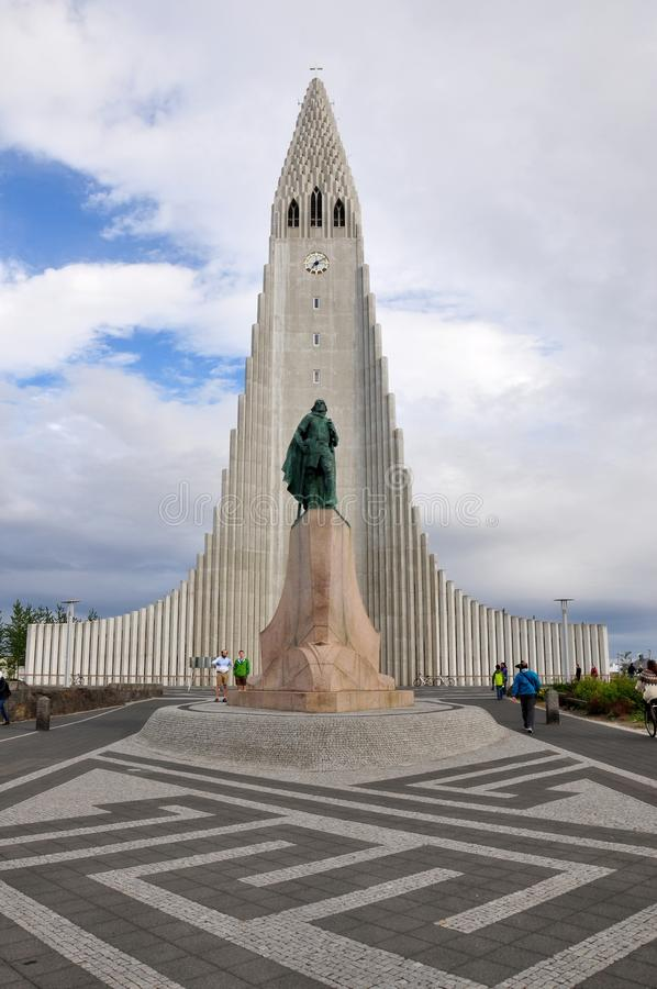 Chiesa di HallgrÃmur, ReykjavÃk, Islanda fotografia stock libera da diritti