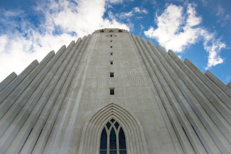 Chiesa di Hallgrimskirkja a Reykjavik immagini stock libere da diritti