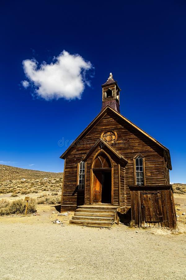 Chiesa di legno in Bodie immagine stock
